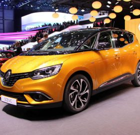 1200-L-salon-de-geneve-en-direct-renault-scenic-4